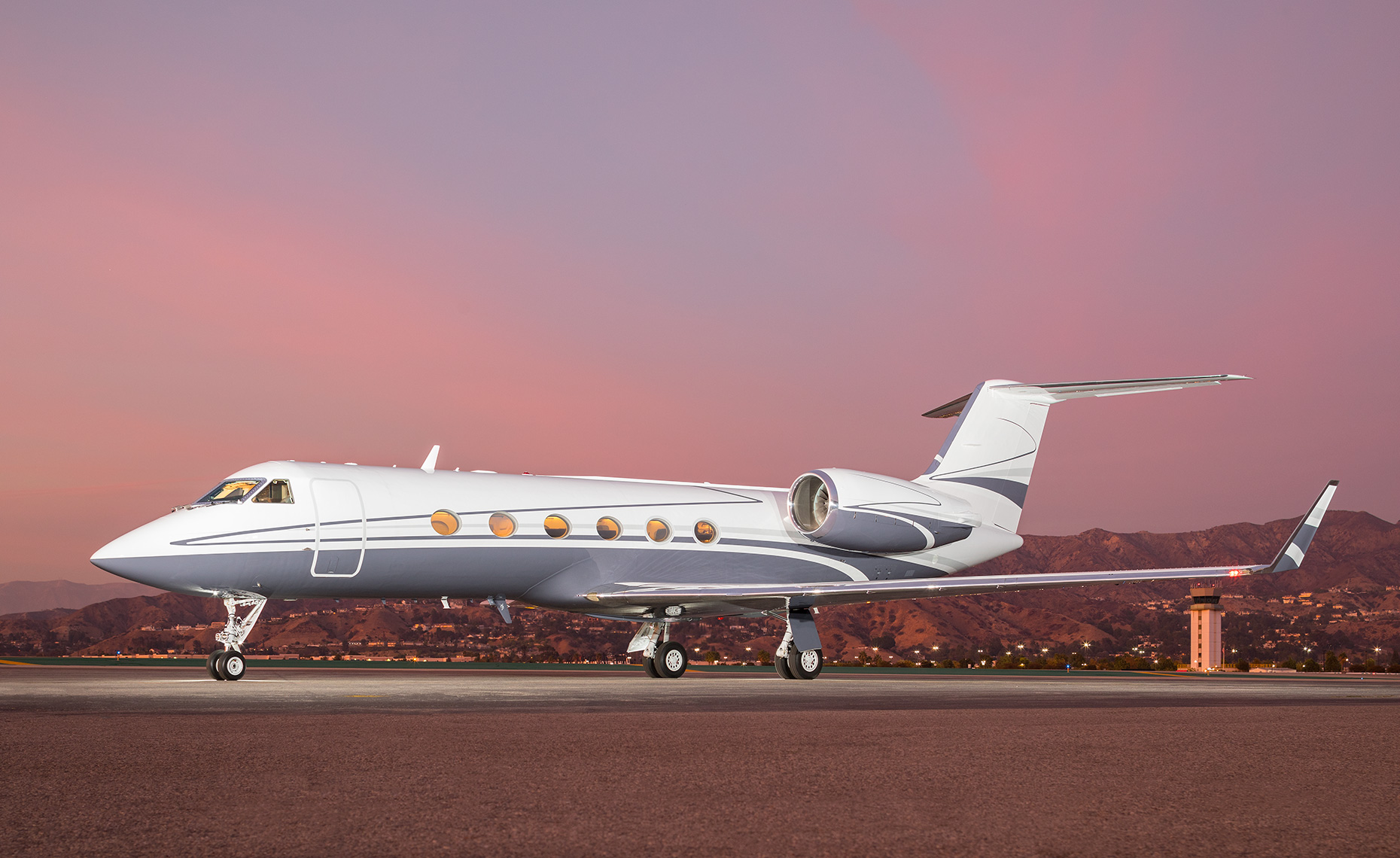 Gulfstream G-IV private jet