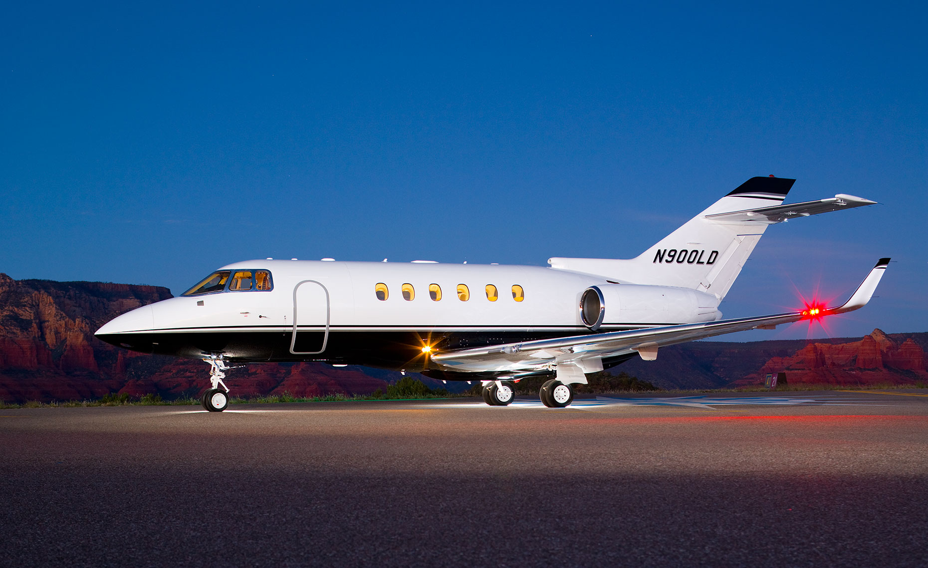 Hawker 900XP Private Jet