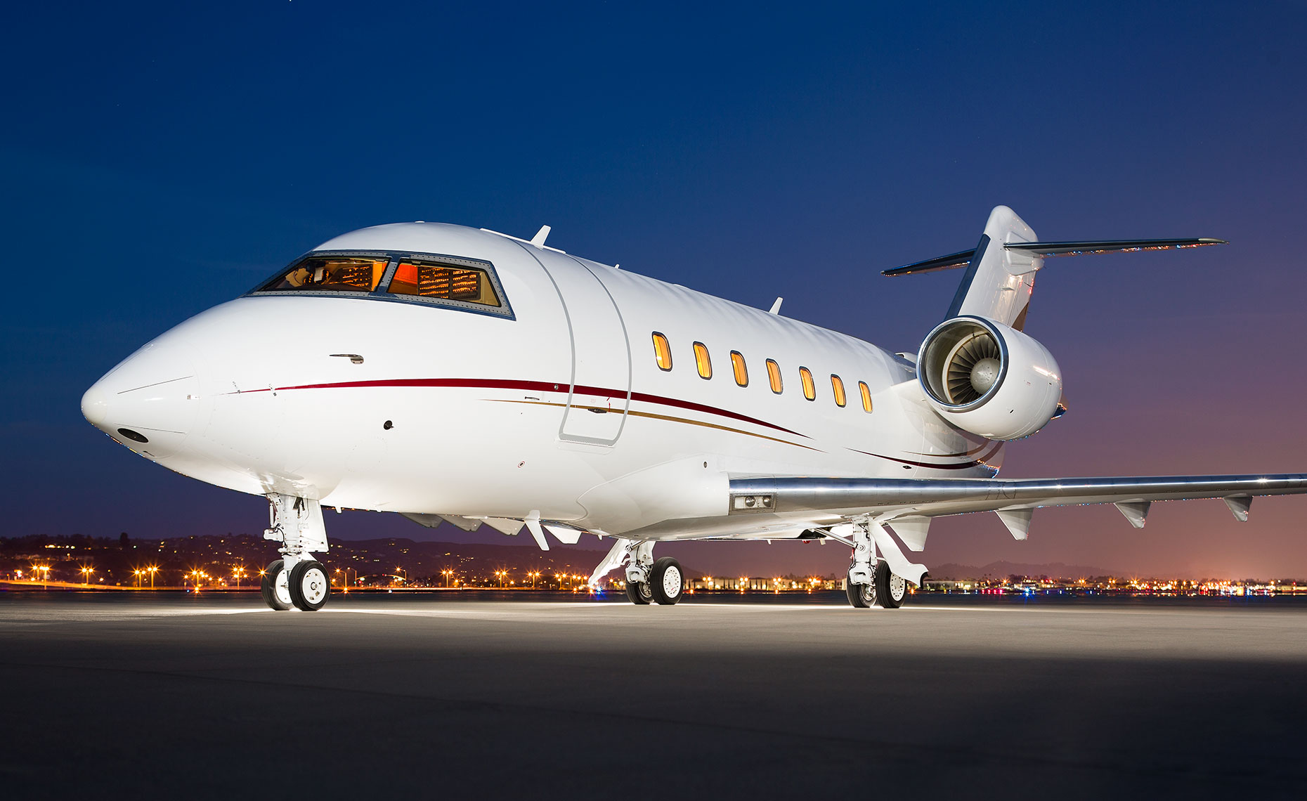 Bombardier Challenger Private Business Jet